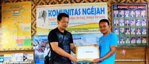 Bantuan STMIK DCI untuk Komunitas Ngejah