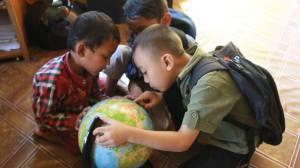 Dodon, Aldi Jeung Dadit, nyoo globe di Komunitas Ngejah