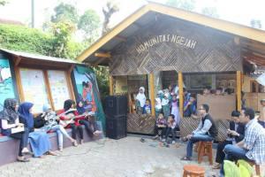 VOB tampil pada acara milad Komunitas Ngejah ke-5