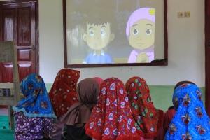 Anak-anak Kampung Bababakanlalay (Peserta GKM 34) Menikmati Pemutaran FIlm kKartun, Kisah-kisah Teladan
