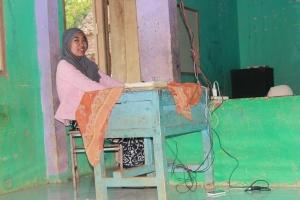 Siti Fauziah membaerikan Motovasi dari pengalamannya suka membaca
