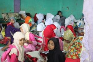 Kegiatan Membaca Bersama di Gerakan kampung Membaca #35