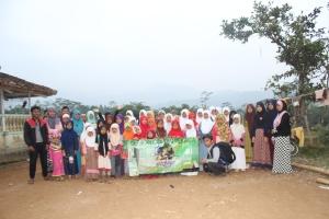Foto Bersama anak-anak Gerakan kampung Membaca Episode #35 Kp. Padasuka Banjarwangi